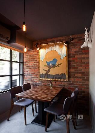 学校动态 分享一组工业风格餐厅装修效果图      利用红砖铺陈立面